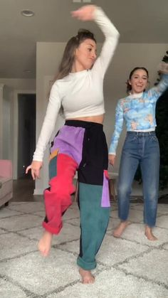 Brooklyn and Bailey( has created a short video on TikTok with music Fantasy - Bad Boy Fantasy. Cute Youtubers, Famous Youtubers, Brooklyn And Bailey Instagram, Brooklyn Mcknight, Bailey Mcknight, Aesthetic Filter, Tic Tok, Cute Comfy Outfits, Baby Sister