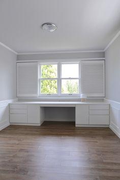 Window Seat Kitchen, Walk In Closet Design, Build A Closet, Built In Furniture, Penthouse Apartment, Walk In Wardrobe, Bedroom Organization, Master Closet, Home Office Design