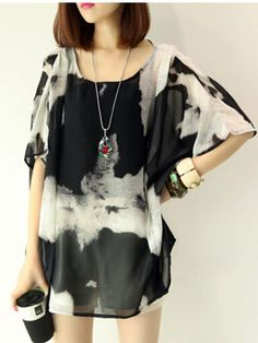 Round Neck Abstract Print Hollow Out Batwing Sleeve Tunic