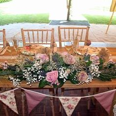 Table Decorations, Furniture, Home Decor, Homemade Home Decor, Home Furnishings, Decoration Home, Arredamento, Dinner Table Decorations, Interior Decorating