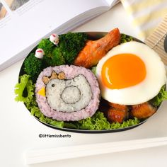 Chicken Hen Deco Sushi Bento (1)