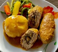 Faszerowane rolady z mięsa mielonego - Blog z apetytem Brownie Recipes, Meat Recipes, Cooking Recipes, Meat Meals, Steak Rolls, Donia, Polish Recipes, Pork Dishes, Food To Make