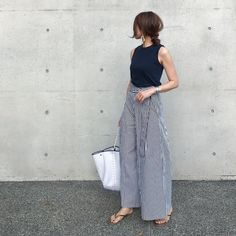 Fashion Mode, Asian Fashion, Fashion Pants, Girl Fashion, Fashion Outfits, Womens Fashion, Fashion Trends, Dakota Johnson Street Style, Preppy Style
