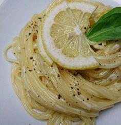 話題入り「レモンクリーム」人気検索1位 イタリアンレストランの味がおうちで簡単! さっぱり食べられるクリームパスタです♪