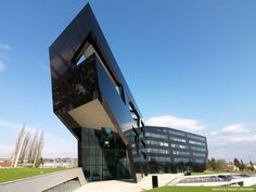 Dramatic New Headquarters for Uniopt Pachleitner Group: The Black Panter