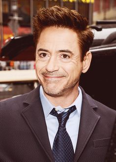 Robert Downey Jr. And Craig ferguson have a contagious smile and laugh...is that just me?