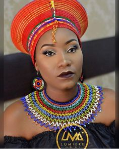 for alot who don't remember egypt is apart of africa , so clothing and jewelry are quite similar African Maxi Dresses, African Attire, African Necklace, African Jewelry, African Style, African Fashion, Ancient Egyptian Jewelry, Statement Necklaces, Beading Tutorials