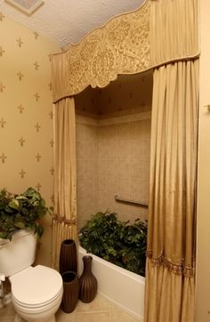 Simple-luxury Curved Classic Pattern Cornice Feature Large-tall Arylide Yellow Curtain And Clean White Clo Use the top part of curtain (idea) for the header by the bedroom windows. then regular curtains, ceiling to floor, for windows. Tuscan Kitchen Design, Tuscan Design, Tuscan Kitchens, Tuscan Bathroom Decor, Bathroom Ideas, Bathroom Makeovers, Cornice Design, Window Cornices, Valances