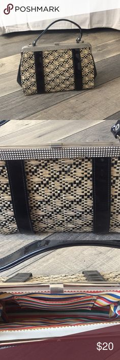 Vintage style purse Fabulous and fun (look at the interior fabric 😍) clutch. Never used. Adorable purse! Bundle and save ❤️ Bags