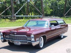 1966 Cadillac DeVille Station Wagon - use 1966 Cadillac as donor kit Cadillac Ats, Cadillac Eldorado, Vintage Cars, Antique Cars, Rolls Royce, Old American Cars, American Pride, Station Wagon Cars, Sports Wagon