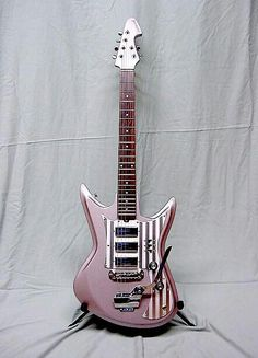 Eastwood Guitars And Airline GuitarsMemory Lane Mondays: 2005 Eastwood K56 Champagne.