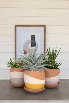 Painted Plant Pots, Painted Flower Pots, Painting Terracotta Pots, Painting Clay Pots, Paint Garden Pots, Terracotta Plant Pots, Decorated Flower Pots, Painted Pebbles, Diy Planters