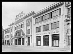 Frontón Valenciano (1933), proyectado por J.Goerlich para la Valenciana de Frontones y Espectáculos S.A., se encontraba en la calle General San Martín, aproximadamente por el pasaje Dr.Serra
