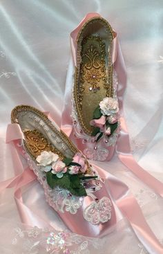 OOAK Pink white and gold keepsake decorated by DesignsEnPointe ♡
