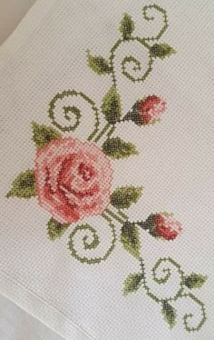 Friends are the template of this beautiful elegant corner on the side - Stickerei Ideen Cross Stitch Heart, Beaded Cross Stitch, Cross Stitch Flowers, Crewel Embroidery, Cross Stitch Embroidery, Embroidery Patterns, Crochet Home, Cross Stitch Designs, Cross Stitching