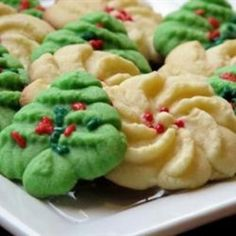 Butter Rich Spritz Butter Cookies Recipe - I used this recipe last year which was the first time I ever made these and they turned out PERFECT! Liz~this is how the cookies will look with your cookie press! Spritz Cookies, Galletas Cookies, Shortbread Cookies, Cookie Desserts, Cookie Recipes, Dessert Recipes, Christmas Sweets, Christmas Cookies, Xmas