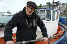 Adrian Edmondson's (69-75) latest solo project is a six-part TV series called 'Ade at Sea'.