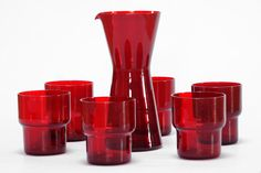 A rare set of red stacking glasses by Saara Hopea and a Kartio pitcher by Kaj Franck for Nuutajärvi Notsjo Finland in excellent vintage condition. Vintage Kitchenware, Vintage Dishes, Art Of Glass, Glass Pitchers, Glass Ceramic, Vintage Pottery, Carnival Glass, Glass Collection, Glass Design