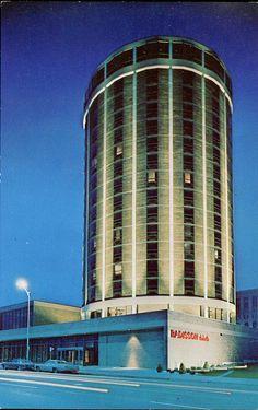 Radisson Duluth Hotel, Minnesota - STILL OPEN and STILL has a REVOLVING RESTAURANT!