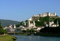 Salzburg az egyik legszebb ausztriai úti cél, amit feltétlenül érdemes felkeresni. Ám a környezete ugyancsak izgalmakat rejt. Salzburg, River, Outdoor, Outdoors, Outdoor Games, The Great Outdoors, Rivers