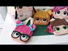 Pontinhos de Amor FELTRO- Andressa Salomão Felt Crafts, Diy And Crafts, Kids Purse, Lol Dolls, Kids Bags, Diy Doll, Fun Projects, Diy For Kids, Couture