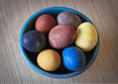 Dye your eggs the natural way