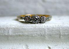 Beautiful British Antique 18K and Platinum Diamond Engagement Ring - 0.31ct.