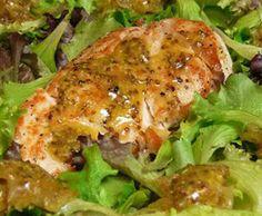 Ensalada de pollo con salsa de mostaza