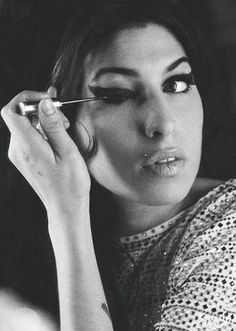 Amy Winehouse had such a unique soulful voice. She brought so much talent to the music world and is one of my personal favorites. R.I.P #Amy #Winehouse http://www.johanpersyn.com/amy-winehouse-tribute-2016-deserved-to-be-heard/  #international_female_songwriter_singer  #inspired_by_winehouse