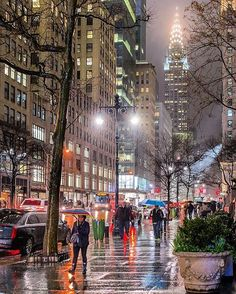 "14.1k Likes, 145 Comments - Elena (@pictures_of_newyork) on Instagram: ""New York's rainy nights...☔️ Gorgeous picture by Matt @matthewchimeraphotography #picturesofnewyork"""
