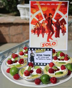 Qi'ra Tarts - Qi' Lime and Ra-spberry Tarts - Solo: A Star Wars Story Theme Food and Label Relationship Goals Funny, Blue Subway Tile, Tart Recipes, Fun Recipes, Movie Themes, Family Movie Night, Movie Party, Space And Astronomy, Star Wars Party