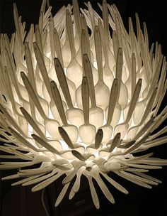 The lamp made of plastic spoons, it's a great idea! Morover materials, that have to be used you can find at any house! The idea of this lamp was awarded in 2010 Plastic Spoon Lamp, Plastic Spoon Crafts, Diy Abat Jour, Recycled Kitchen, Spoon Art, Custom Lighting, Lighting Design, Lampshades, Paper Cups