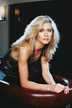 Olivia Newton-John 24x36 Poster at Amazon's Entertainment ... Hippie Costume, Olivia Newton John, John Travolta, Feathered Hairstyles, Female Singers, Her Music, Celebs, Celebrities, Classic Beauty