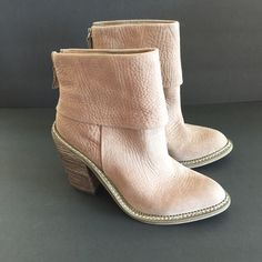 """ZARA CAMEL COLORED BOOTIES Like new! Never worn. 4"""" heel. Zips up back. Zara Shoes Ankle Boots & Booties"""