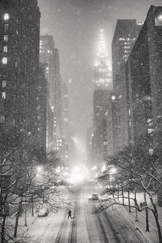 Nyc Photograph - New York City - Winter Night Overlooking The Chrysler Building by Vivienne Gucwa New York Winter, Night Aesthetic, City Aesthetic, Aesthetic Design, Chrysler Building, Snow Photography, Travel Photography, Photography Couples, Photography Portraits