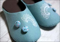 Lovely cloth slippers tutorial