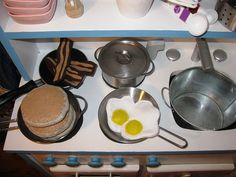 Play Bacon, Pancakes, and Eggs for Kids' kitchen