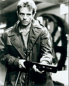 Omg Kyle Reese soldier from the future to protect Sarah Connor from The Terminator. Probably one of my favourite characters. But Arnold Schwarzenegger almost beats pretty much all my favourite actors. Action Movies, 80s Movies, Great Movies, Awesome Movies, Cult Movies, Indie Movies, Comedy Movies, Kyle Reese, Terminator 1984