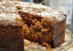 Apple and Cinnamon Cake (Mary Berry). Unlike my other apple cakes, this one calls for grated apples.