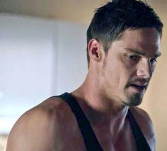 This man's really very HOT that's why Im voting 4 him with no doubt @ENews I nominate Jay Ryan #HottieOfTheWeek #BATB pic.twitter.com/IkWIsfRVz2