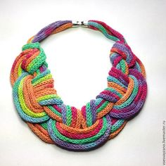 Colorful knitted necklace / Колье, бусы ручной работы. Заказать Колье Оттенки, Радуга. Елена. Ярмарка Мастеров. Минимализм, оберег, колье, хлопок, зеленый