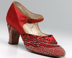 Fashion gallery: 8 iconic shoe designs from across the decades on http://www.queensofvintage.com