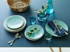 Monochromatic Dinnerware Teal - Dining - Home Grand Designs, Cool Designs, Teal Dinnerware, Vintage Cutlery, Teal Accents, Contemporary Classic, Celebrity Houses, Throw Cushions, Contemporary Furniture