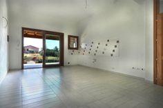Soggiorno villetta trilocale caposchiera SCARICA LA BROCHURE DAL NOSTRO SITO: www.orizzontecasasardegna.com/pdf/B-01VE135.pdf  #sardegna #immobiliare #vendita #agenzie