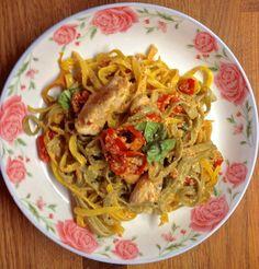 chicken with pasta Greek Cooking, Spaghetti, Pasta, Chicken, Ethnic Recipes, Food, Essen, Meals, Yemek