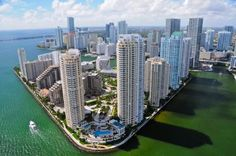 Something very strange is happening in Miami Miami Beach, Miami Florida, Around The World In 80 Days, Around The Worlds, Travel Articles, Cool Places To Visit, San Francisco Skyline, The Good Place, New York Skyline
