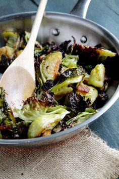Roasted Brussels Sprouts with Bacon - Caramelized roasted brussels sprouts with bacon is an easy brussel sprouts recipe you'll love! Brussels sprouts + bacon are the perfect side dish combo! Roasted Brussel Sprouts Bacon, Brussels Sprouts Recipe With Bacon, Bacon Recipes, Side Dish Recipes, Cooking Recipes, Healthy Recipes, Bacon Food, Bacon Jam, Delicious Recipes