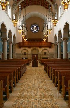 St. Thomas More Catholic Church, St. Paul, Minnesota