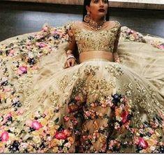 Indian Wedding Sari, Indian Bridal Outfits, Indian Bridal Wear, Indian Bridal Lehenga, Anarkali Bridal, India Wedding, Indian Wear, Best Wedding Dresses, Bridal Dresses