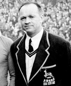 South Africa coach Danie Craven, England v South Africa, Twickenham, January 1952 Jason Leonard, Jason Robinson, South African Rugby, Richie Mccaw, Dan Carter, International Rugby, British Army Uniform, Martin Johnson, World Rugby